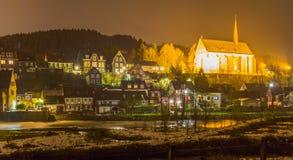 Oude Beyenburg in Wuppertal bij nacht, Duitsland stock afbeeldingen
