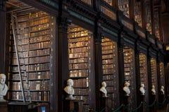 Oude Bibliotheek van Drievuldigheidsuniversiteit, Dublin Stock Afbeeldingen