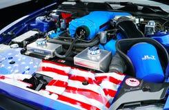 Oude blauwe motor van een auto De auto toont, Manassas, VA stock foto