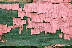Oude blauwe raad met gebarsten verf, uitstekende houten achtergrond, grunge plank Oude houten ultraviolette achtergrond met overb stock foto