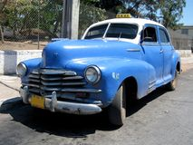 Oude blauwe taxi in Cuba 2 Stock Foto