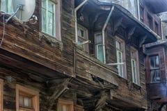 Oude blokhuizen in het historische deel van Istanboel royalty-vrije stock fotografie