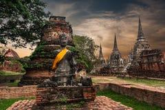 Oude Boeddhistische pagoderuïnes bij Wat Phra Sri Sanphet-tempel thailand stock foto's