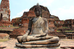 Oude Boedha bij Watyaichaimongkol-Tempel in Ayudhaya, Th Stock Afbeeldingen