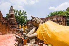 Oude Boedha meer dan 500 jaar in Ayutthaya Stock Afbeeldingen