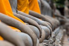 Oude Boedha in Wat Yai Chaimongkol, Ayutthaya, Thailan De tempel is openbaar in Thailand Stock Foto