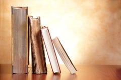 Oude boeken stock foto's