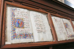 Oude boeken in biblioteca Piccolomini van Siena Cathedral Duomo, Siena, Toscanië, Italië stock foto