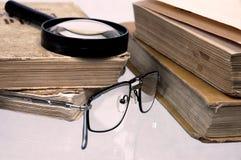 Oude boeken op een lijst. Royalty-vrije Stock Fotografie