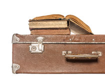 Oude boeken op een oude koffer Royalty-vrije Stock Foto