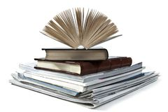 Oude boeken op witte achtergrond royalty-vrije stock afbeelding