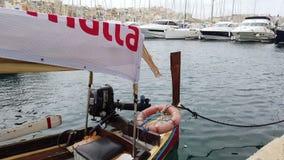 Oude boot op het overzees stock footage