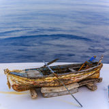 Oude boot - Santorini, Griekenland stock fotografie