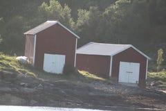 Oude botenhuizen door het overzees Royalty-vrije Stock Foto