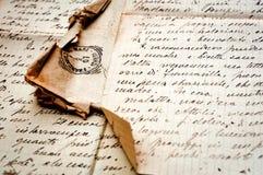 Oude brief met zegel op oud document royalty-vrije stock afbeeldingen