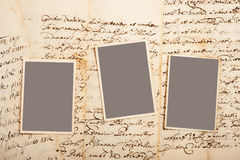 Oude brieven met beelden stock afbeeldingen