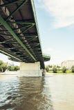 Oude brug in Bratislava, Slowaakse republiek, architecturaal thema Royalty-vrije Stock Foto