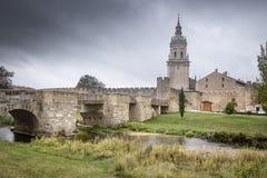Oude brug in Burgo DE Osma royalty-vrije stock afbeeldingen