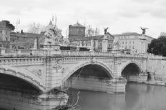 Oude brug in centrum van Rome Royalty-vrije Stock Afbeeldingen