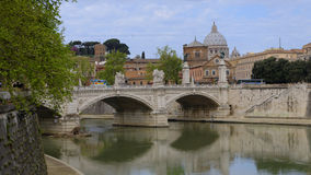 Oude brug in de stad van Rome royalty-vrije stock foto's