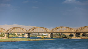 Oude brug in Irak royalty-vrije stock foto