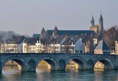 Oude brug in Maastricht Stock Foto's