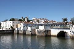 Oude brug in Tavira, Portugal Stock Foto
