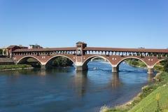 Oude brug van Pavia Stock Afbeeldingen