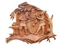 Oude bruine houten die bas-hulp met musici over wit worden geïsoleerd Stock Foto
