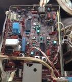 Oude bruine microchip stock afbeeldingen