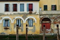 Oude buildinds langs het kanaal in Chioggia Royalty-vrije Stock Foto's