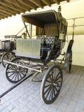 Oude bussen in wijnmakerij Vina Undurraga in Talagante royalty-vrije stock foto's