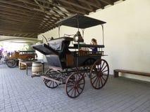 Oude bussen in wijnmakerij Vina Undurraga in Talagante stock fotografie