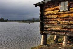 Oude cabine bij zonsondergang Royalty-vrije Stock Foto