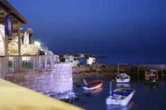 Oude Caesarea Haven in de avond Royalty-vrije Stock Foto