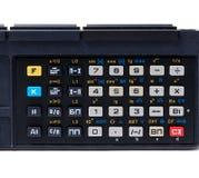 Oude calculator, die op wit met het knippen van weg wordt geïsoleerd Stock Foto's