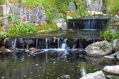 Oude cascades op het kanaal Royalty-vrije Stock Foto