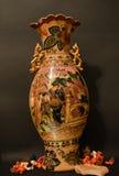Oude ceramische mingsvaas Stock Afbeeldingen