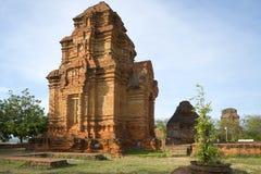Oude Cham-toren dichtbij Phan Thiet Royalty-vrije Stock Afbeeldingen