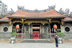 Oude Chinese Tempel, Longshan-Tempel in Taipeh Stock Afbeeldingen