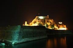 Oude citadel in de Stad van Korfu (Griekenland) bij nacht Royalty-vrije Stock Foto's