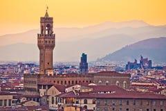 Oude cityscape van Florence en de zonsondergangmening van Palazzo Vecchio stock foto