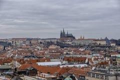 Oude cityscape van Praag stock foto's