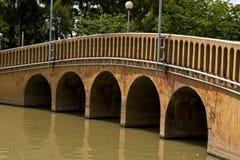 Oude concrete brug Stock Foto's