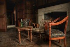 Oude conferentieruimte van een verlaten kasteel Royalty-vrije Stock Foto's