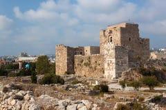 Oude crusader& x27; s kasteel in de historische stad van Byblos stock afbeelding