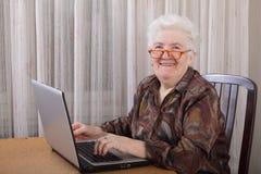 Oude dame Royalty-vrije Stock Afbeeldingen