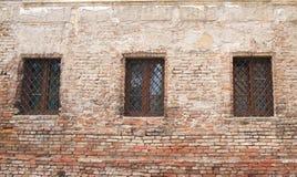 Oude de bouwruine, vensters royalty-vrije stock fotografie