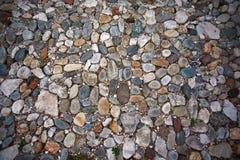 Oude de rotsachtergrond van de steenweg Stock Afbeeldingen