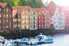 Oude de stadsmening van Trondheim Noorwegen, Scandinavië, Europa Royalty-vrije Stock Afbeeldingen